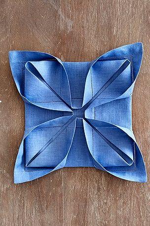 Napkin foldings