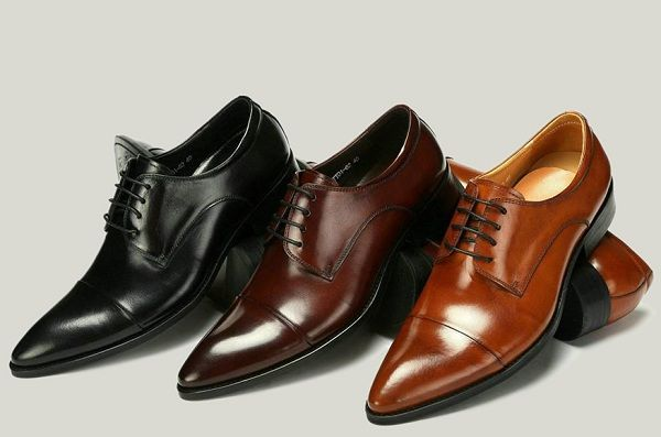 Matching men's shoes